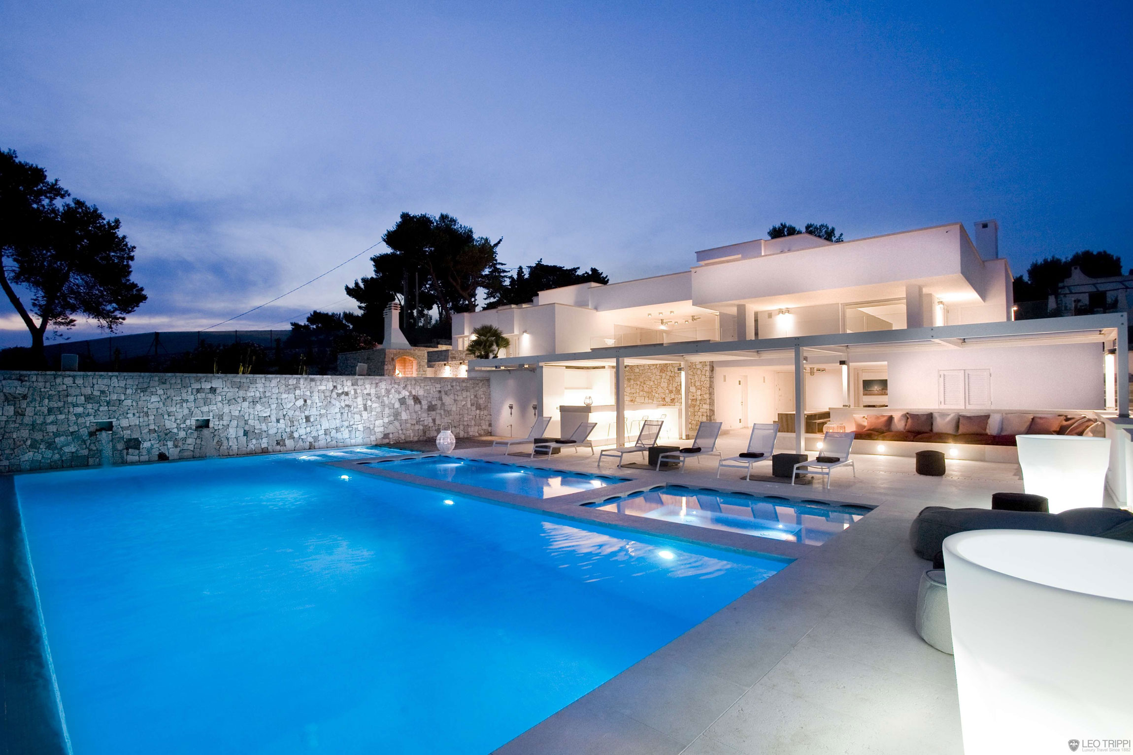 Luxury rental villa in puglia italy villa bianca homedezen for Case modernissime