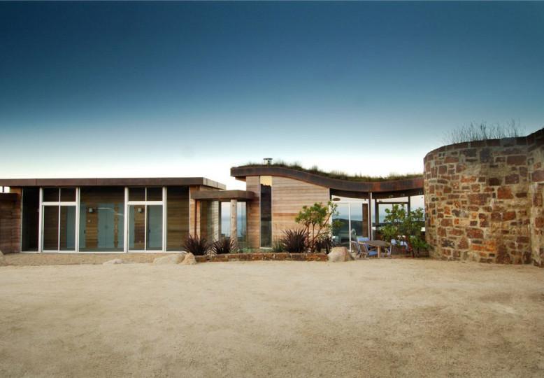 Contemporary House in Big Sur, California