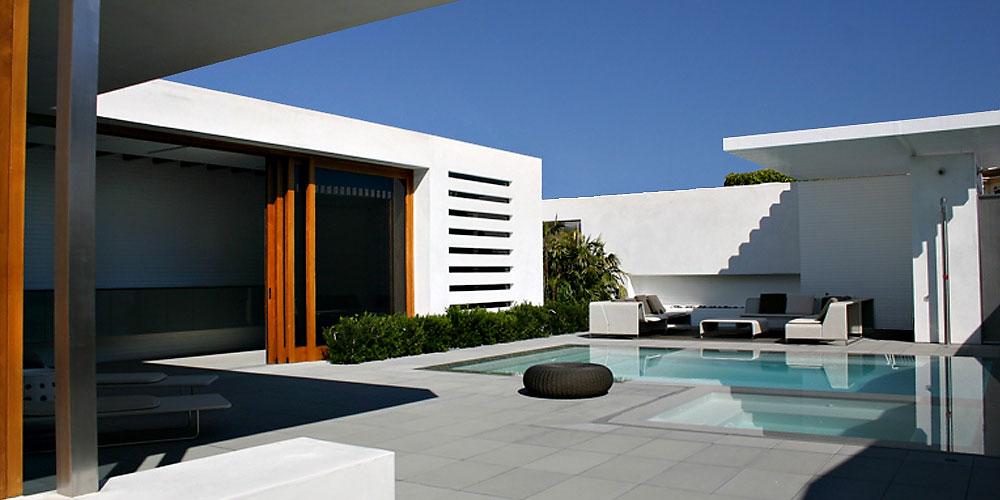 Corona Del Mar Villa Apartments