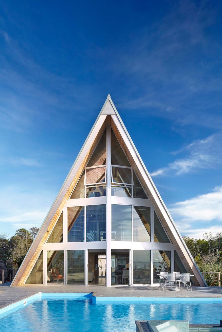 A-frame House on Fire Island by Bromley Caldari