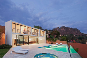 Casa la Roca by Parque Humano