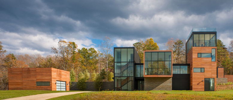 Contemporary Residence by Robert M. Gurney Architect
