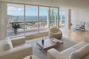 Elegant apartment with stunning San Francisco Bay views