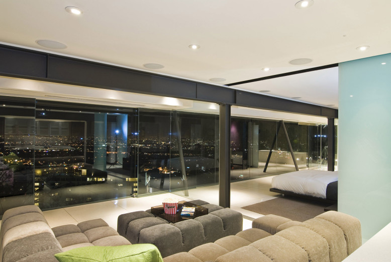 Sleek Residence by Whipple Russell Architects