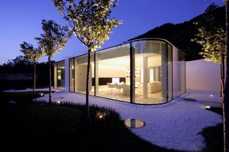 Polygonal Glass Pavilion