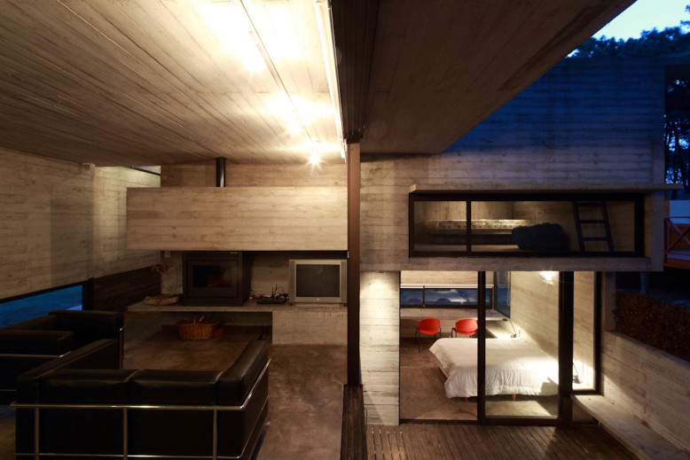 Concrete House by Luciano Kruk and María Victoria Besonías