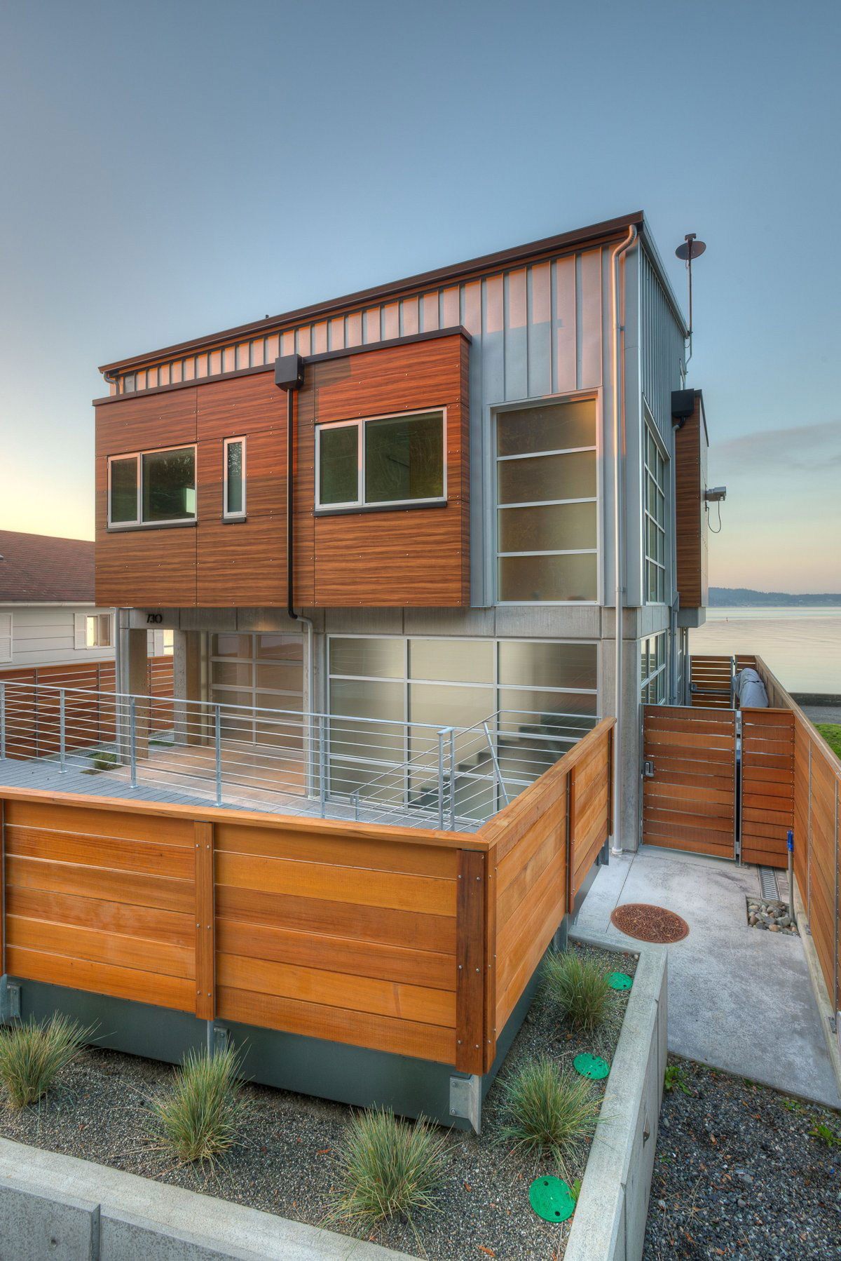 Tsunami house by designs northwest architects homedezen for Northwest house designs