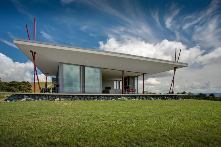 Contemporary family retreat in New Zealand