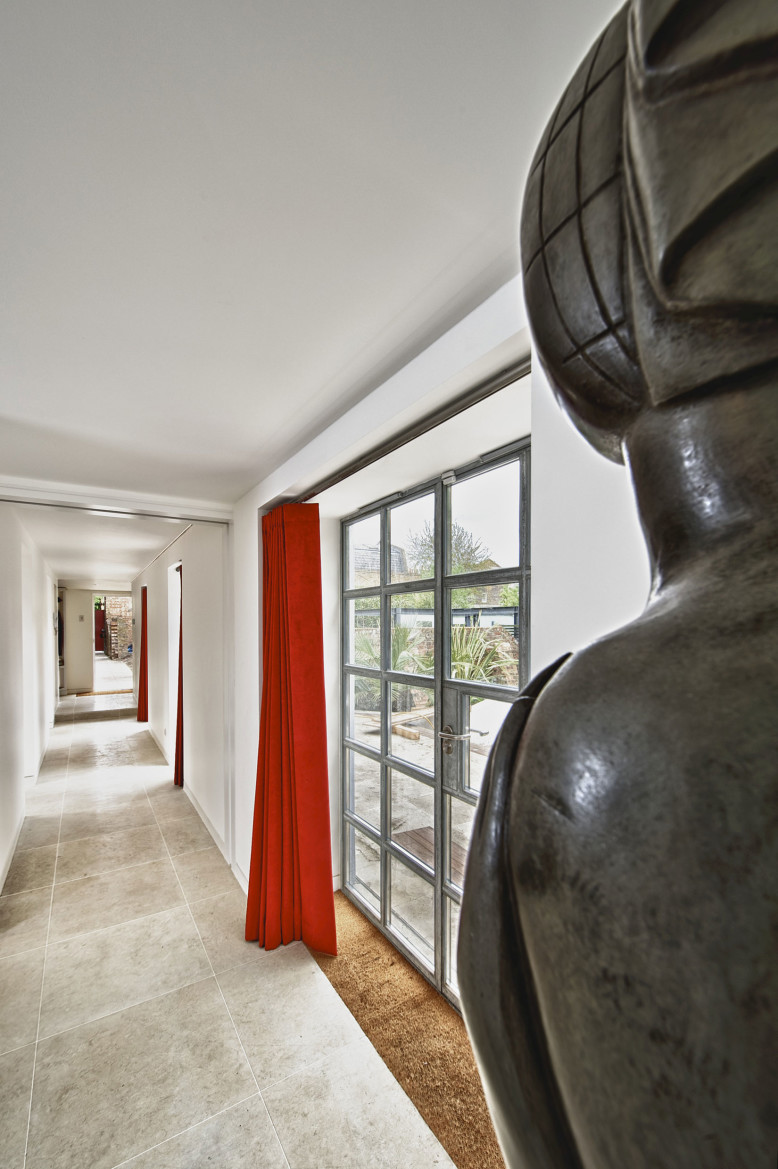 Private Residence by Mimodo Architects