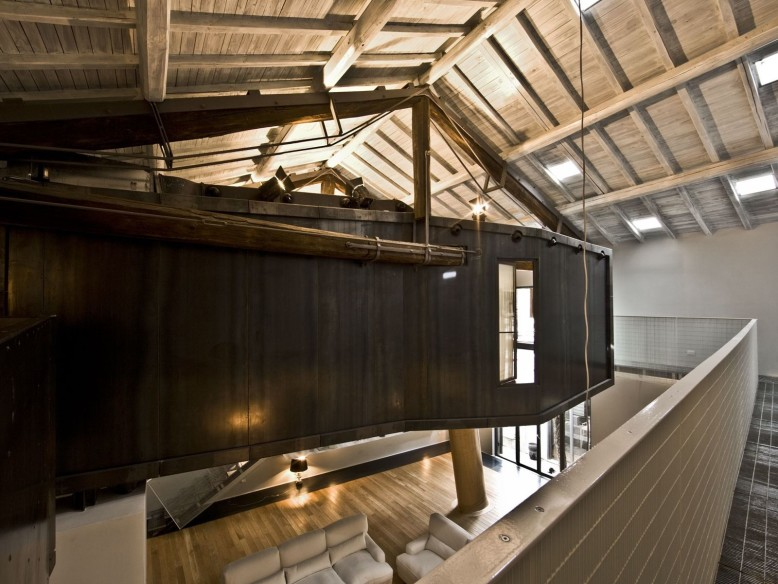Loft Apartment in Rome by MdAA architects