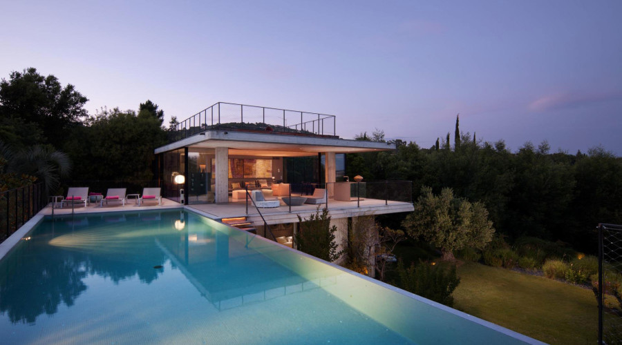 Private House by Bumper Investments