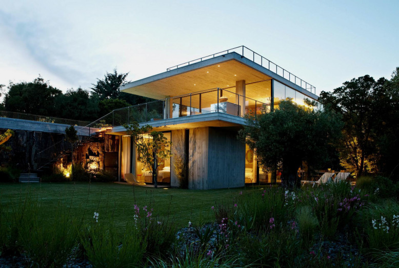 concrete, glass and steel contemporary home