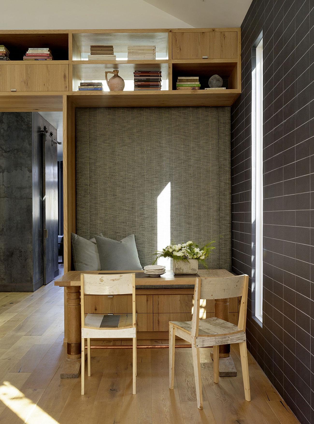Traditional victorian house with modern interior homedezen - Decoration interieur maison moderne ...