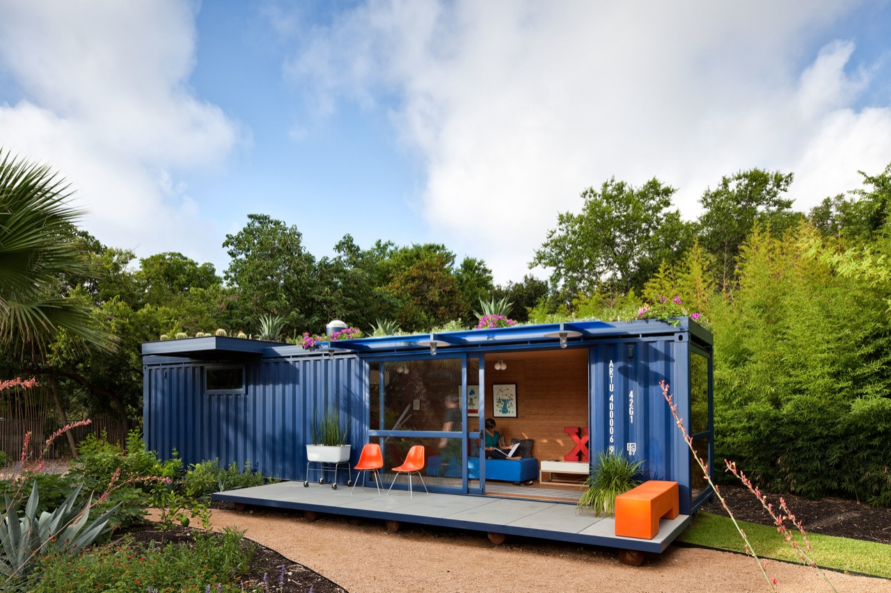 Container guest house by poteet architects homedezen - Container homes texas ...