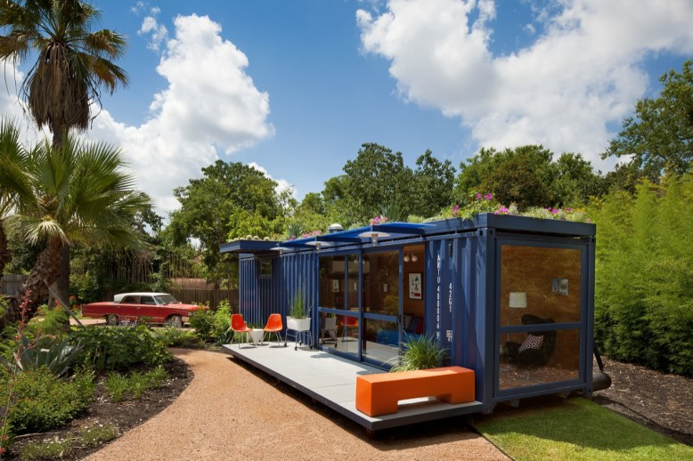 Container Guest by Poteet Architects