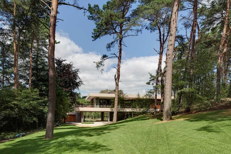 Contemporary Villa by Hilberinkbosch Architecten