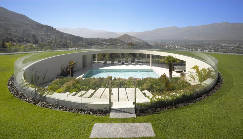 House in Vitacura by Izquierdo Lehmann