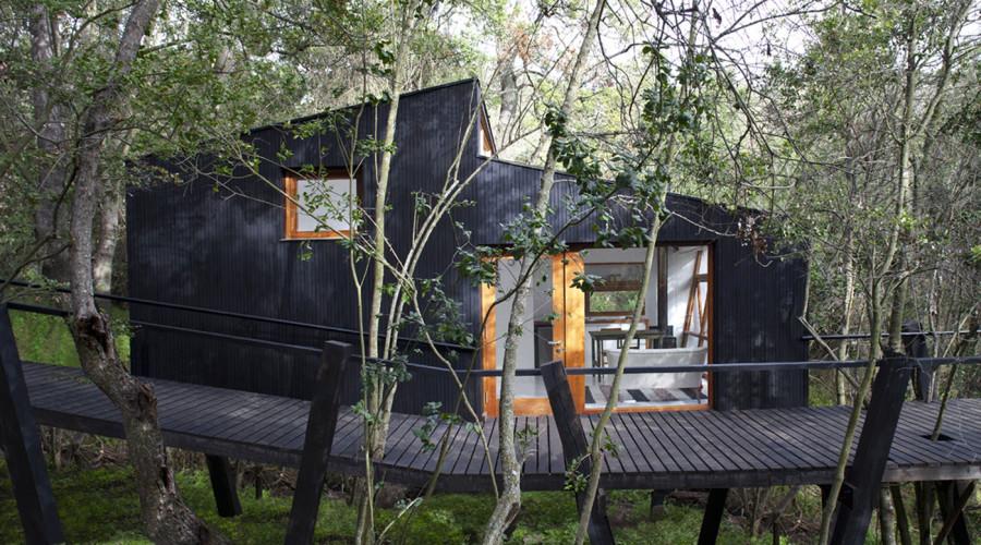Minimalist retreat in Chile by UNarquitectura