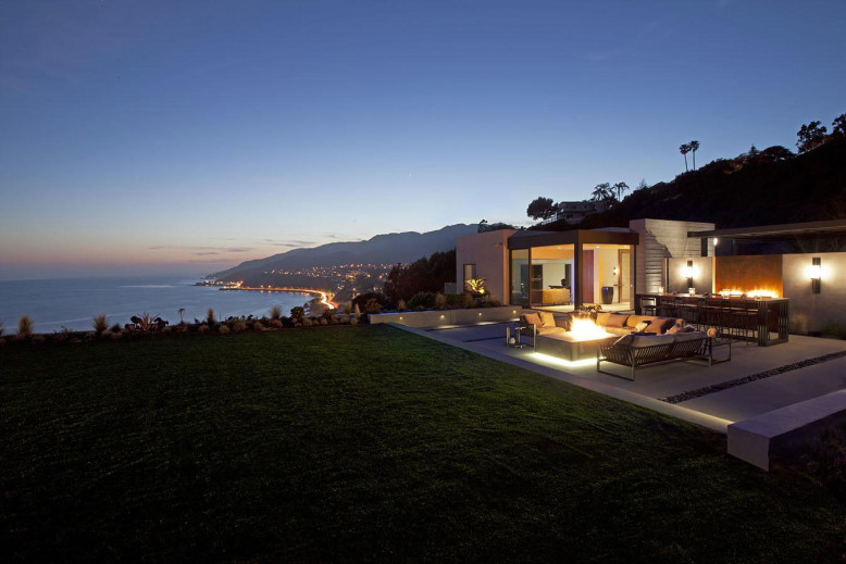 Oceanfront Residence by Shubin + Donaldson Architects