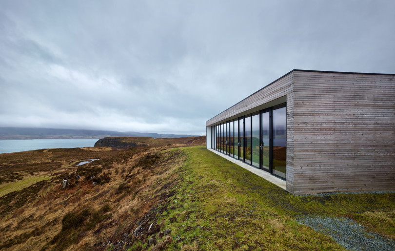 Cliff House by Dualchas Architects