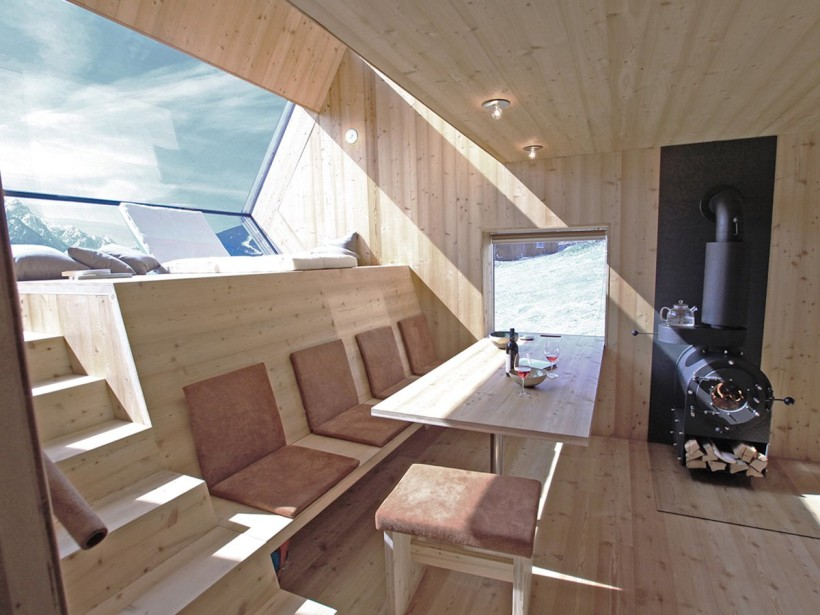 Holiday House by Peter Jungmann