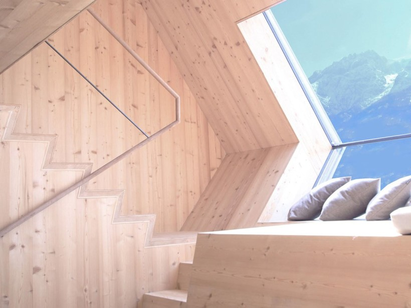 UFOGEL House by Peter Jungmann