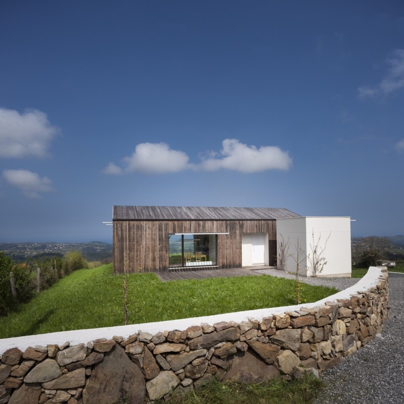 Comfortable refuge for a family in Spain JG