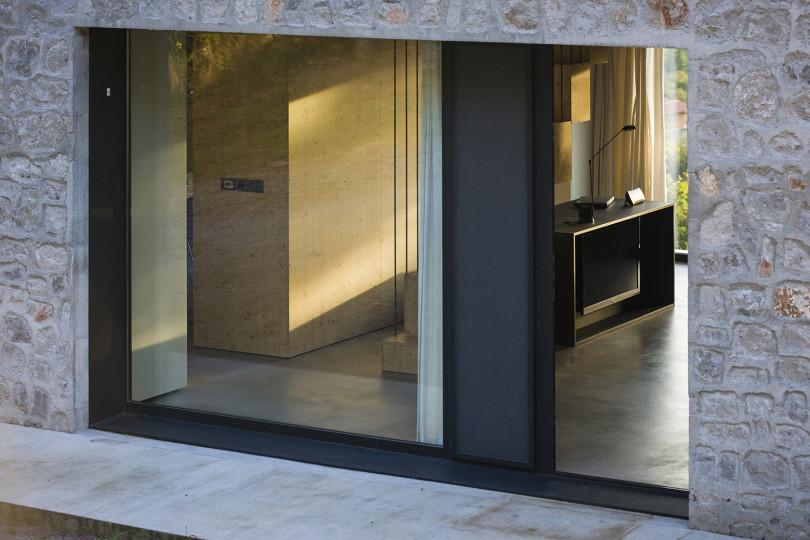 Compact Karst House by dekleva gregorič arhitekti