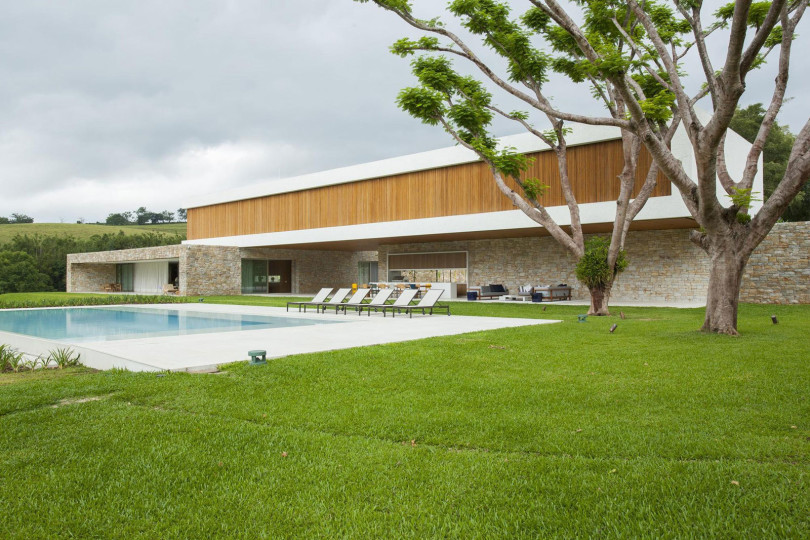 Contemporary Residence in Sao Paulo by RoccoVidal P+W