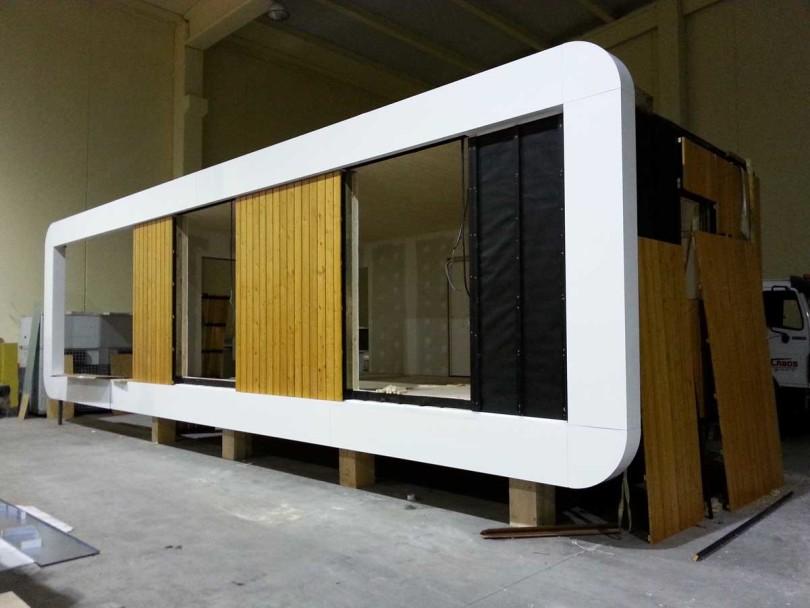 Prefabricated refuge in Spain by NOEM