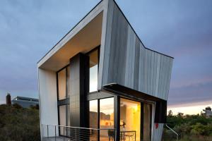 Beach Hampton House by Bates Masi Architects