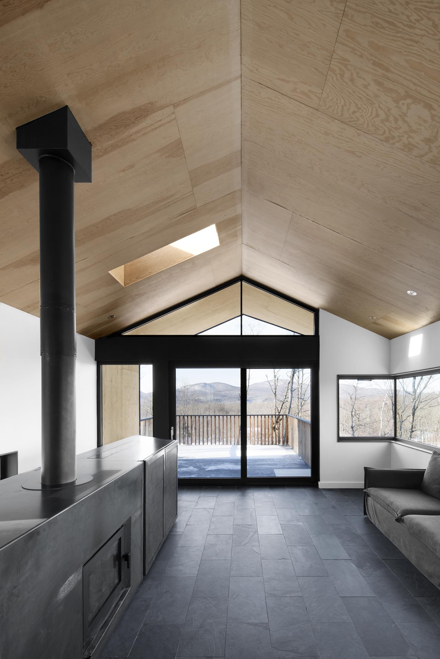 Bolton Residence By Naturehumaine Homedezen
