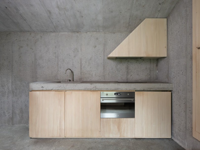 Concrete Refuge by Nickisch Sano Walder Architekten-04