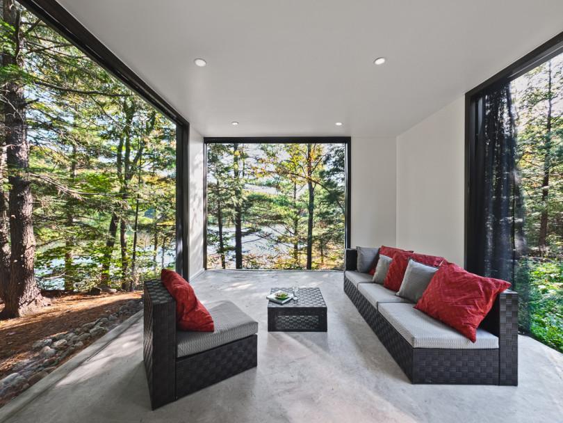 Hill-Maheux Cottage by Kariouk Associates-04