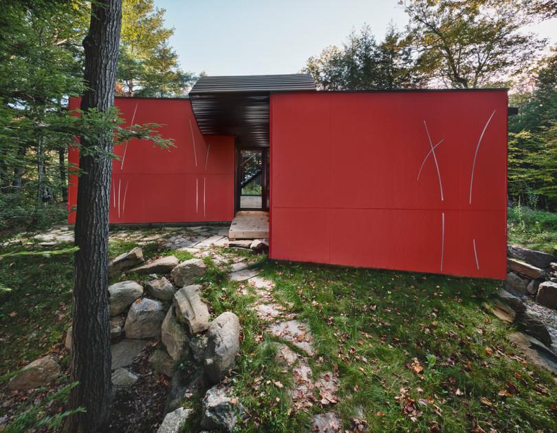 Hill-Maheux Cottage by Kariouk Associates-12