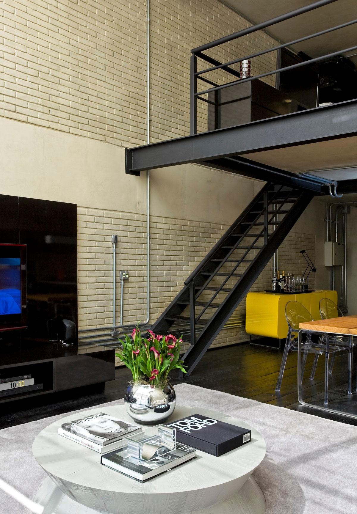 Industrial loft by diego revollo arquitetura homedezen - Loft industrial ...
