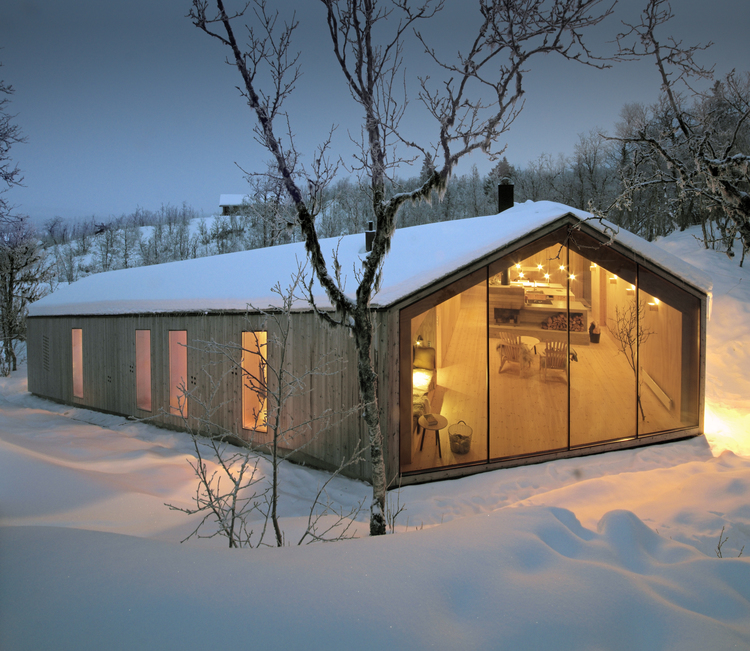 V-Lodge in Norway by Reiulf Ramstad Architects-01