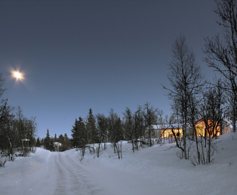 V-Lodge in Norway by Reiulf Ramstad Architects-08