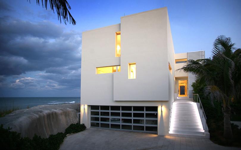 Beach Road 2 House by Hughes Umbanhowar Architects-01