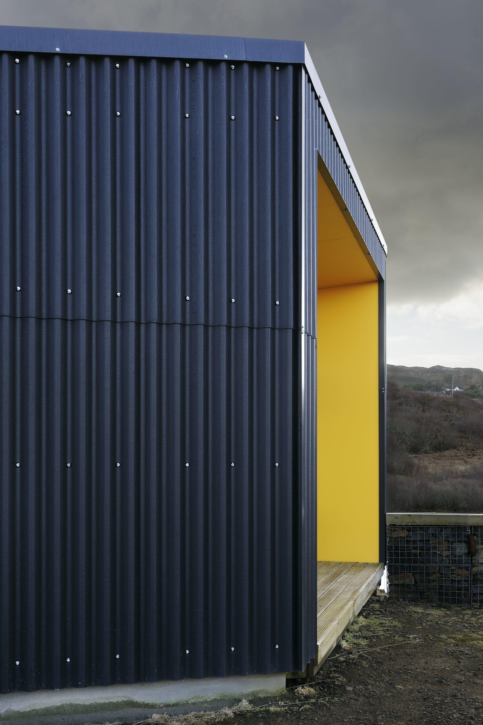 Black House By Rural Design Architects Homedezen