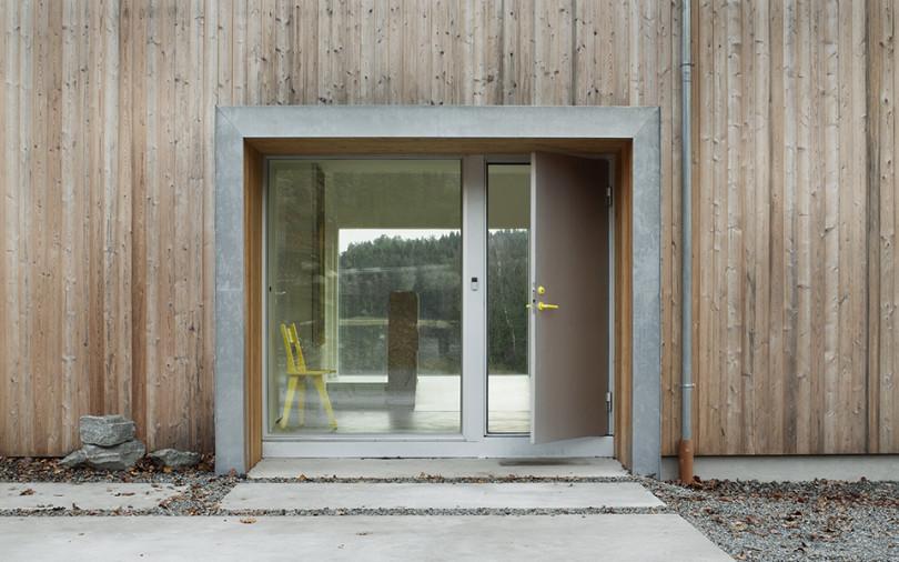 Minimalist Interior in Sweden Villa Bondö-05