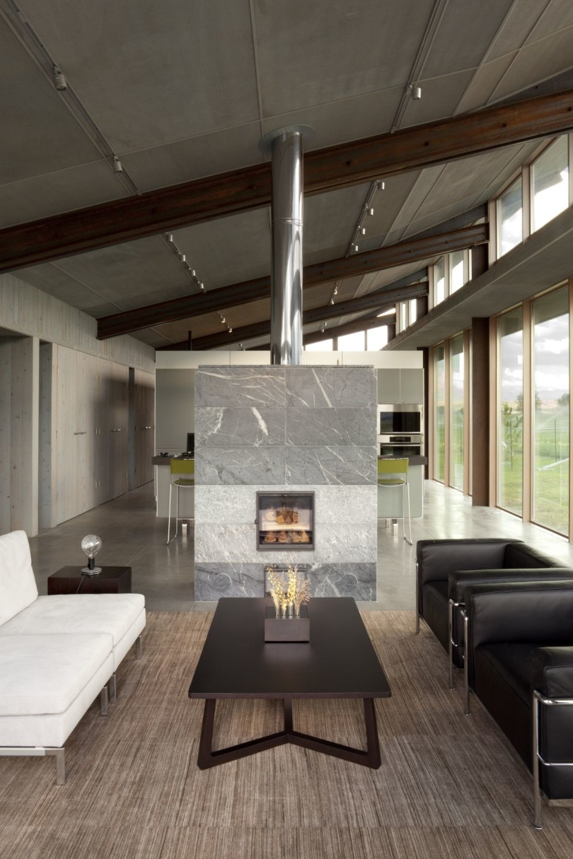 Glass Farmhouse by Olson Kundig Architects-17