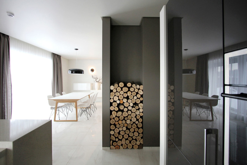 House 02 by Ramūnas Manikas and Valdas Kontrimas