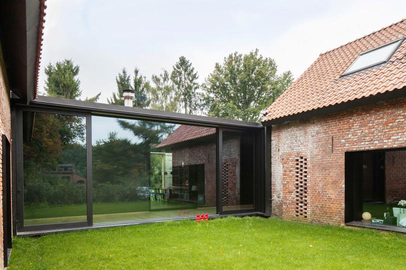 Architectural Design: La Branche by DMOA Architecten-02