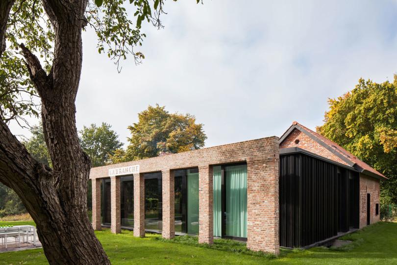 Architectural Design: La Branche by DMOA Architecten-04