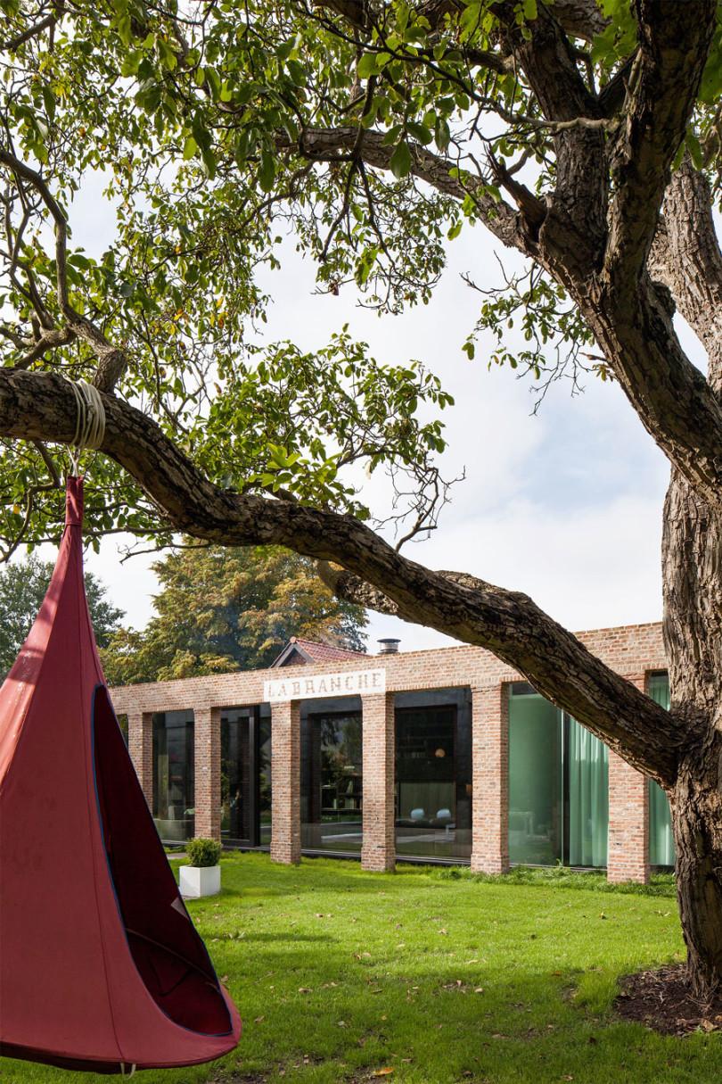 Architectural Design: La Branche by DMOA Architecten-05
