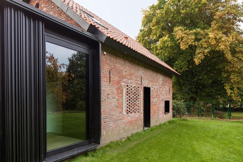 Architectural Design: La Branche by DMOA Architecten-06