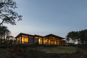 Long Dune Residence by Hammer Architects