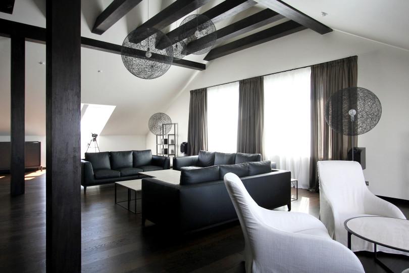Modern Minimalist Penthouse by Ramunas Manikas