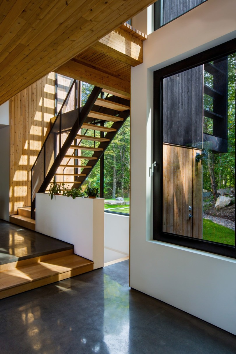 Wooden House by Thellend Fortin Architectes-02